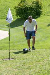050 (patrizia lanna) Tags: persone albero allenatore buca calcio campo esterno footgolf giocatore gioco golf luce memorial movimento natura palla panorama parco prato verde rapallo italia