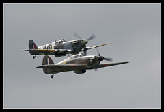 HAWKER HURRICANE Mk.IIc & SUPERMARINE SPITFIRE Mk.Vb. 3 (adriangeephotography) Tags: sport photography flying fighter display aircraft aviation military transport jet saturday sigma hampshire airshow civil planes ww2 adrian gee bomber propeller farnborough d300 2016 150600 adriangeephotography