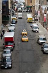 NY taxis (Spannarama) Tags: usa newyork cars yellow traffic manhattan railway taxis cabs railwayline highline taxicabs newyorktaxis