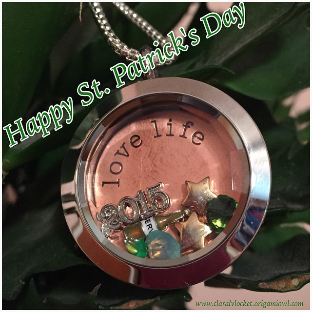 Happy St.Patricks Day !! Be safe & #havefun !! #OrigamiOwl #claralvlocket #green #gold #lucky #stpatricksday @origamiowl @chrissyfooo @bella__weems <3