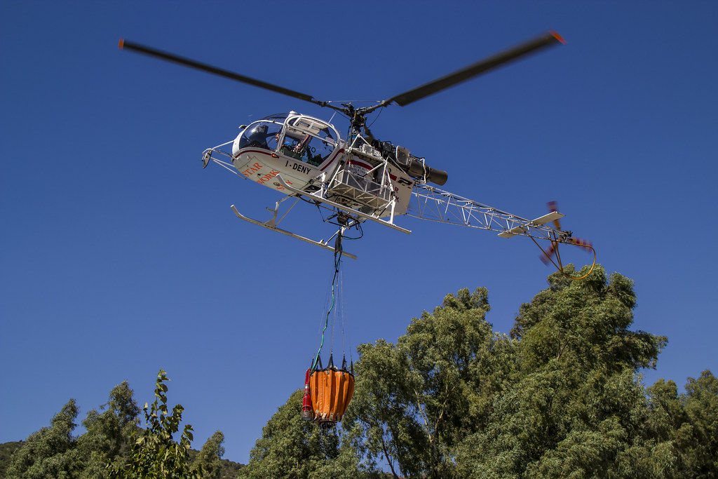 Elicottero Arancione : The world s best photos of forestale and helicopter