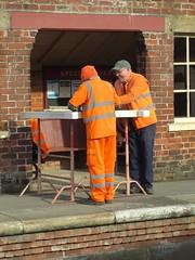 Mike ad Bob repair wicket gate 23Mar15