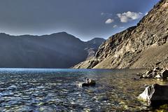 Embalse del yeso (Imthearsonist) Tags: chile santiago lake mountains nature water canon landscape agua rocks natural paisaje hdr reserva cajondelmaipo canoncamera embalsedelyeso canonreflext3i