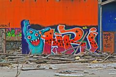 Treögt monster 2 (Quo Vadis2010) Tags: art tom painting graffiti se ruins paint grafitti message sweden empty konst doodle graffitti expressive scrawl lonely sverige solitary revolt scribble halmstad tegel disrepair klotter halland industri industrialruins unoccupied ödslig måla målning bostäder rivning förfall övergiven bruk kludd väggmålning budskap slottsmöllan abandonedruin tegelbruk spraya meansofexpression affärer självförverkligande enslig övergivenindustri industriiförfall municipalityofhalmstad formerbrickworks youthrevolt halmstadkommun norrainfarten wayofexpressingoneself uttrycksform sättattuttryckasig ungdomsrevolt synliggörande industryindisrepair föredettategelbruk underrivning kommandebostadsbebyggelse spreja konstnärligayttringar slottsmöllansbruk