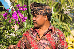 Futur propritaire...Future owner..Look at my album on Bali (geolis06) Tags: bali asia olympus asie indonsia 2015 indonsie munduk portraitbali balineseportrait olympusem5 olympusm75300mmf4867ii geolis06