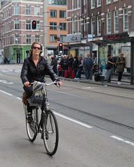 Amsterdam De Pijp Van Woustraat bike 3005 (GeRiviera) Tags: street holland netherlands girl dutch amsterdam bike bicycle de candid nederland van fiets zuid noordholland pijp straat fahrad woustraat