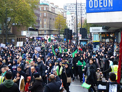 Odeon & Mourners (Kombizz) Tags: uk people london justice massacre muslim islam faith religion crowd battle tragedy shia muharram ashura hydepark karbala edgwareroad marblearch tyranny umayyad martyrdom caliph odeoncinema mourners yazid prophetmuhammad sufyan imamhussain ziaratashura ahlulbait ziyarat ziarat hazratabbas umayyads battleofkarbala ahlalbayt muslimummah kombizz 10thofmuharram sayyedalshohada shiitemuslims shimribnthiljawshan moonofthehashimites حسينبنعليبنأﺑﻲطالب‎ imamzainulabedin muawiayh umaribnsad alialasghar saiydushshohada banuumayya yaabaabdillahalhussain imaamhussain ziyaratashura muharram1436 yaghamarbanihashem qamarebanihashim 1130089 odeonmourners