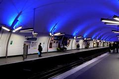 Métro Gambetta, Paris (blafond) Tags: blue paris station underground subway metro platform bleu quai ratp line3 gambetta ligne3