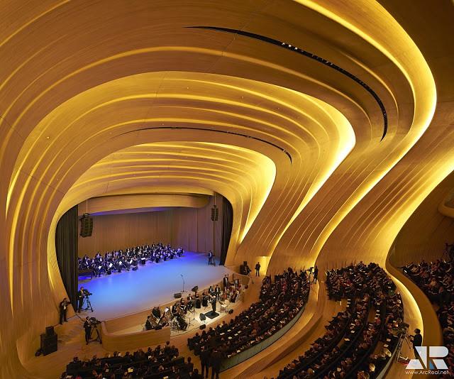Trung tâm triển lãm Heydar Aliyev