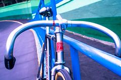 #giro #meccanico #OldSchool (funkyruru) Tags: postprocessed bike 50mm hsinchu taiwan cycle fixie fixedgear pista ricoh velodrome a12 giro trackbike meccanico gxr njs trackfever hsinchuvelodrome
