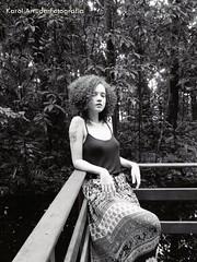 IMG_8151 (Karol Arruda Fotografia) Tags: red flores green nature smile tattoo hair ensaio photo natureza mulher flor felicidade curly there hippie beleza sorriso arvore menina ruiva vibration tatuagem tattos ruivos cachos ruivas sardas florwer goodvibe lottus