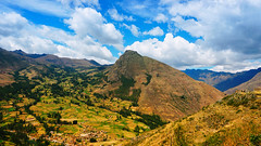 Feel Freedom (ricdovalle) Tags: blue sky mountains peru azul clouds landscape freedom sony liberdade paisagem cu nuvens alpha montanhas pisac a6000 ilce6000