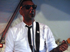 The Dears (Ian Muttoo) Tags: toronto ontario canada concert live gimp dears thedears murraylightburn dundaswestfest murrayalightburn lakeviewavestage img3914edit