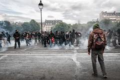 Paris - Grève Génèral (Melissa Favaron) Tags: paris france riot gas strike rosso francia parigi banlieue studenti sciopero clashes casseur feriti blackblok scontri lacrimogeni blessés scioperogenerale scioperonazionale grevegeneral 140616 loidutravail grevenational