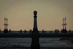 puente del Kursaal (txaflas) Tags: euskadi basque country puente kursaal atardecer gente photography donostia san sebastian gipuzkoa