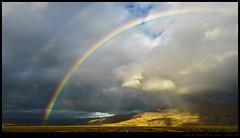 Tormenta y arco iris en la estepa patagónica