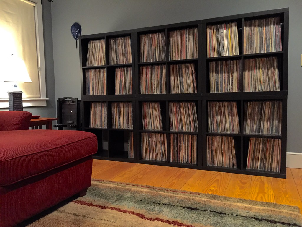 The world 39 s best photos of expedit flickr hive mind for Ikea kallax records