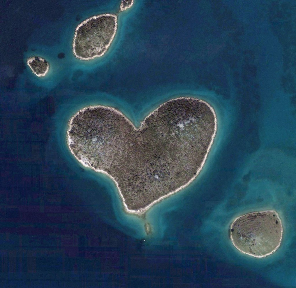galesnjak_croatia_the_heart_shaped_islands