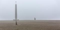Nebel - Obelisk auf der Halde Hoheward (ulrichcziollek) Tags: nebel obelisk ruhrgebiet ruhrpott hoheward