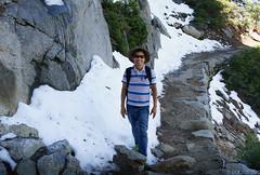 Hiking in Glacier Point (LBtino) Tags: yosemite yosemitenationalpark glacierpoint 7200feet