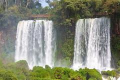 Iguaz - Salto dos hermanas (Jos M. Arboleda) Tags: argentina canon eos agua jose paisaje 5d catarata iguaz cascada arboleda ef70200mmf4lisusm josmarboledac marlkiii
