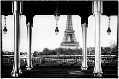 Eiffel Tower from Pont Bir-Hakeim (josefrancisco.salgado) Tags: bridge bw paris france blancoynegro monochrome puente blackwhite nikon europa europe ledefrance eiffeltower eiffel toureiffel torreeiffel grayscale nikkor fr pontbirhakeim d4 2470mmf28g