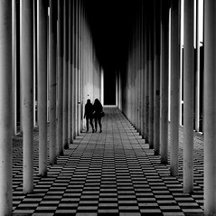 let's escape (Wackelaugen) Tags: two people street person silhouette silhouettes column chess wandelhalle bblingen germany black white bw blackwhite blackandwhite mono canon eos photo photography wackelaugen googlies