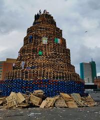 2016-07-11_18-41-11 (Colonel Matrix) Tags: belfast bonfire bonfirenight flag northernireland orangefest sandyrow twelfth gb