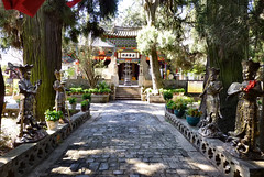 516 Thonghai (farfalleetrincee) Tags: china travel tourism nature temple asia buddhism adventure guide yunnan  tonghai  xiushanmountain