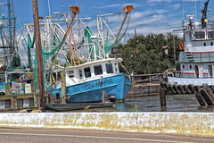 Golden Meadow, Louisiana (Shane Adams Photography) Tags: canon boat louisiana bayou coastal tugboat shrimpboat gulfcoast lafourcheparish goldenmeadow canonrebel3ti ilobsterit