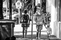 Young Family Miami Beach, Fl (Mark A. Vargas) Tags: children parents families streetphotography miamibeach southflorida markavargas canoneos70d march2015canoneos70dsouthfloridastreetphotographysouth