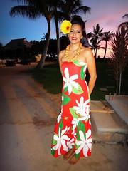 #Oahu #Hawaii #ParadiseCove #Luau () Tags: friends sunset party vacation holiday feast island hawaii mujer paradise waikiki oahu femme lei insel luau   hawaiian honolulu isle rtw isla aloha vacanze mahalo roundtheworld makaha  paradisecove globetrotter le hawaiianparty wahini hawaiianmusic  northpacificocean  huladancers nainen ewabeach kapolei huladance   10days paradisecoveluau gatheringplace worldtraveler southoahu  kvinna windwardcoast thegatheringplace vrou leewardcoast lau honokaihale  luaudancers   hawaii2011 09242011    o