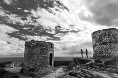 gab-10-002 (Nemo Sischi) Tags: sky bw italy love mare liguria towers cielo sassi pietra portovenere amore turisti torri nubi scalini muretto