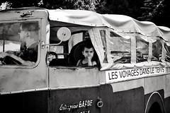 Les voyages dans le temps (Nadge Gascon) Tags: street blackandwhite bw white black de photography noir photographie rue et blanc 5018 760d