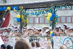 LM STUDENT 2016 (MRSNOWPAT) Tags: friends party rain student photographer graduation hugs lm exam domkyrkan happyday 2016 whitehats lotsoflove techers engstm frvihartagitstudenten