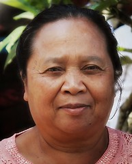 (scinta1) Tags: portrait people bali woman face indonesia temple character traditional ceremony kampung pura keluarga kintamani 2015 kedisan