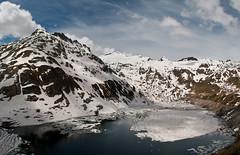 lago di lucendro II (DeCo2912) Tags: schnee lake snow alps ice clouds lago see di alpen eis lucendro