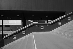 Lépcsők / Stairs (bencze82) Tags: color voigtlander budapest sl ii f mm 20 35 voigtländer keleti skopar f35 colorskopar baross tér pályaudvar slii
