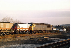 56010 Langley Mill (British Rail 1980s and 1990s) Tags: britishrail br class56 mgr 56010 56 train rail railway station diesel loco locomotive freight railfreight 1980s 80s type5 eighties livery trains lmr londonmidlandregion liveried traction