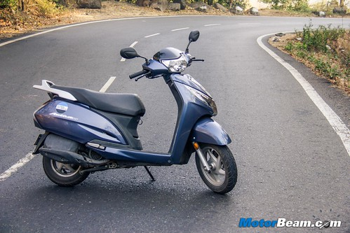 2015-Honda-Activa-125-Long-Term-09