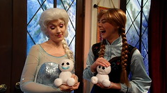 Having Fun with Chatterback Snowgies (BeautifulToyReviews) Tags: california park toy frozen disneyland character parks disney adventure indoors hollywood animation land inside academy meet greet fever snowgies chatterback