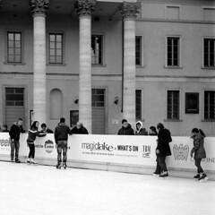 La Citt dei Balocchi 2012 (sirio174 (anche su Lomography)) Tags: natale christmas como cittdeibalocchi giostre giostra pattinaggio winter inverno