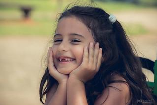 Olha a Valentina já fazendo pose para a foto! >>> Ative sua máquina do tempo <<< #hardphotographia #hard2016 #ativesuamaquinadotempo #fotografiaurbana #foto #fotografia #instafoto #smashthecake #saopaulo #crianca #felicidade #sorriso #menina #activateyour