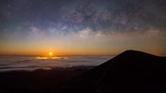 Milky Way Moonrise (geekyrocketguy) Tags: maunakea hilo moonrise moon milkyway night nighttime summit longexposure rokinon samyang bower 24 24mm 14 f14