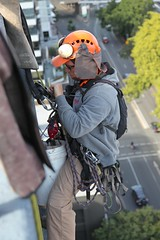 Abseiling over the edge, North Quay Brisbane. (Photos by Lance) Tags: july2016 dangling harness ropes work structure building outdoors abseiling maintenance people