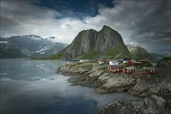 Hamnoy (Jose Cantorna) Tags: islas lofoten hamnoy reine noruega norway agua reflejo paisaje nubes cielo nikon d610