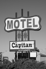 El Capitan (dangr.dave) Tags: gallup nm newmexico downtown historic architecture neonsign neon motel capitan capitanmotel elcapitan