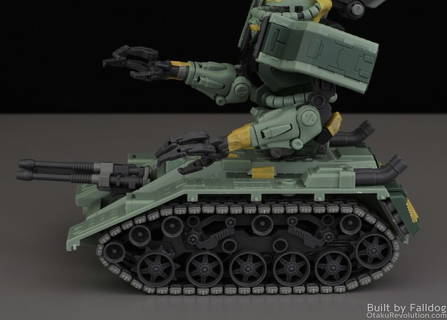 Motor King - 1-100 Zaku Tank Review 1 by Judson Weinsheimer