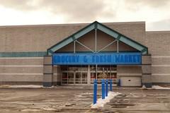 GROCERY & FRESH MARKET (Nicholas Eckhart) Tags: usa retail mi us michigan detroit stores 2015 madisonheights
