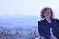 Hoch oben auf der Ritterburg Hauneck (Uli He - Fotofee) Tags: nikon uli ulrike frhling selfi nikon90 fotofee ulrikehe ulihe